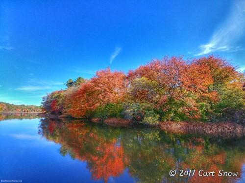 Fall-colors-reflected.jpg